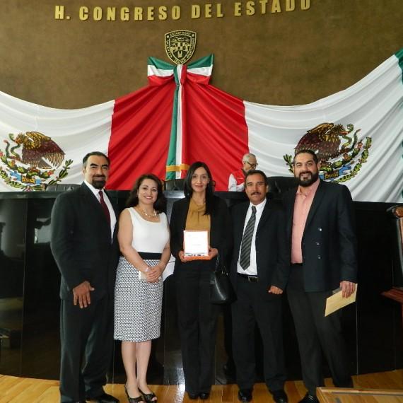 RECIBEN MEDALLA CHIHUAHUA AL MÉRITO EDUCATIVO, DOCENTES DE CCHEP
