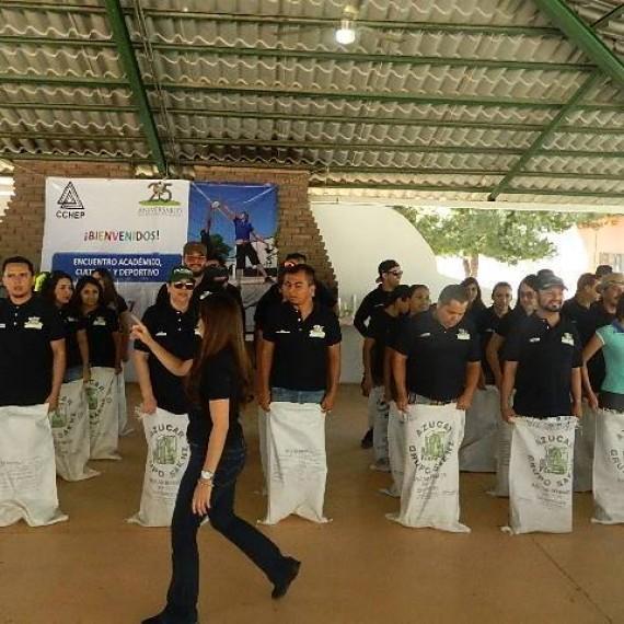 Divertidos Juegos Organizados de patio en la Jornada Deportiva 2017 del Centro Chihuahuense De Estudios de Posgrado.