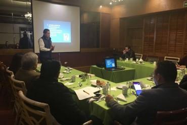 """En el marco de la preparación de la Tercera Reunión de Consejos Técnicos, el Profr. Raymundo Cruz Sigala impartió el tema """"Características de las escuelas como organizaciones que aprenden. La creación de Redes Escolares""""."""