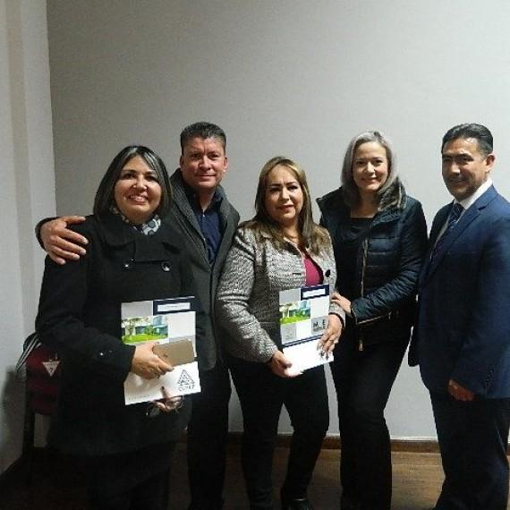 Entrega de Constancias de Curso de Titulación Mejora Escolar.