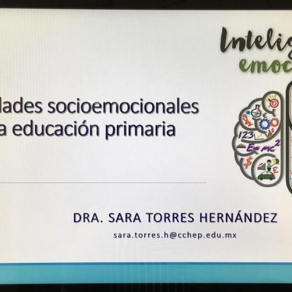 """Dra. Sara Torres Hernández, estuvo presente en el Consejo Técnico Escolar de la Escuela Primara """"Octavio Paz"""", impartiendo el Taller: """"Habilidades socioemocionales en la educación primaria""""."""