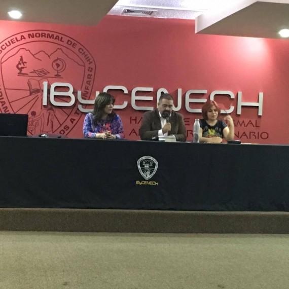 La Dra. Sara Torres Hernández y el Mtro. Raymundo Cruz Sigala participaron esta mañana en el Encuentro de Intercambio Académico entre Cuerpos Académicos de las Escuelas Normales de los Estados de Chihuahua y Sonora.