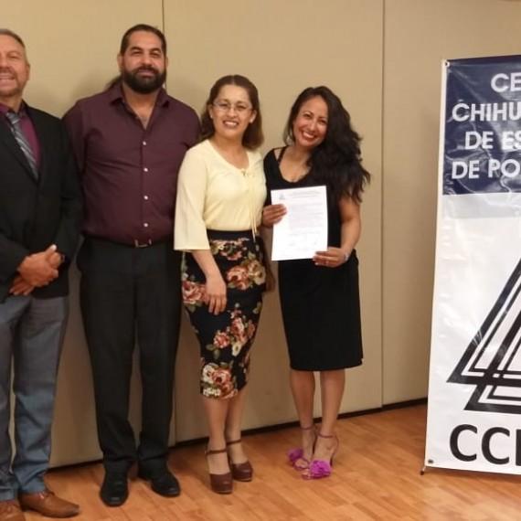 ¡Muchísimas felicidades Mtra. Luz Elena, el CCHEP se congratula con su titulación y le desea éxito en el seguimiento e implementación de su proyecto!